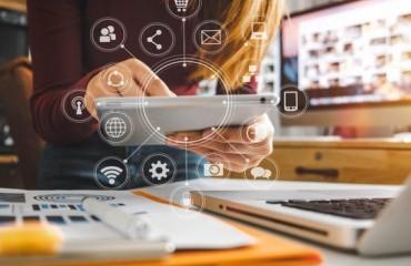 Οι Ψηφιακές Τεχνολογίες στη Δια Ζώσης & Εξ Αποστάσεως Εκπαίδευση